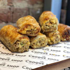 Quinoa cheddar mild chilli sausage rolls